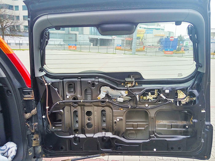 Drzwi bagażnika Hondy CR-V - bez osłony